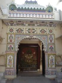 Detalhes do trabalho em azulejos do portão