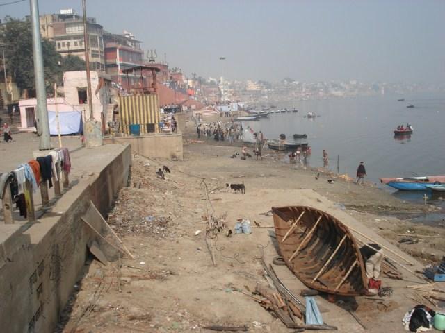 Situação das margens do Ganges, o rio sagrado