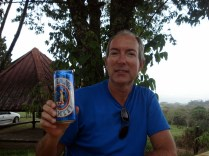 Carlos aumentando a coleção de cervejas